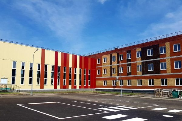 В Волгоградской области ввели в эксплуатацию новую школу на 800 мест