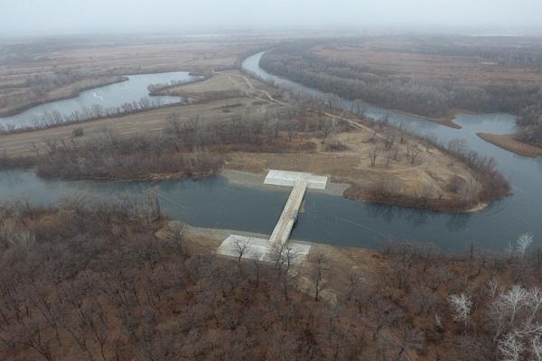 В Волго-Ахтубинской пойме построена переливная плотина