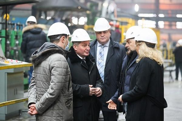 Андрей Бочаров поставил задачи по широкому использованию местной продукции в реализации приоритетных проектов