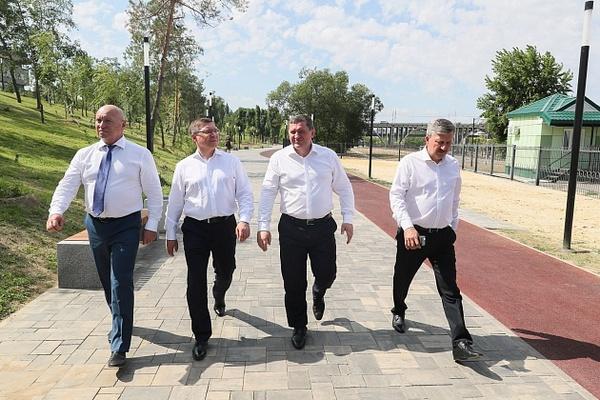 Комплексное развитие территорий — в центре внимания Владимира Якушева и Андрея Бочарова