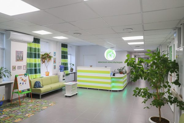 Андрей Бочаров проверил модернизацию больницы в Волжском