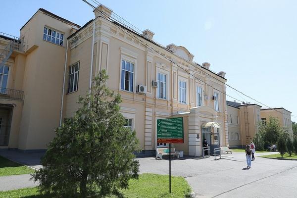 Андрей Бочаров: до конца года будет выработана концепция развития областной больницы