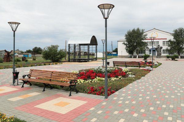 Спортплощадки, парковки, места отдыха – в селах Волгоградской области реализуют проекты благоустройства
