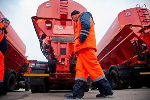 В Волгоградской области готовятся к зимнему содержанию автодорог